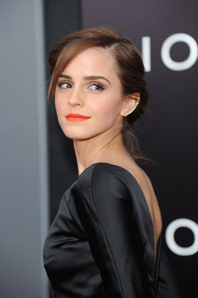 Emma+Watson+Noah+Premieres+NYC+Part+3+_m_lNrY3LsAl