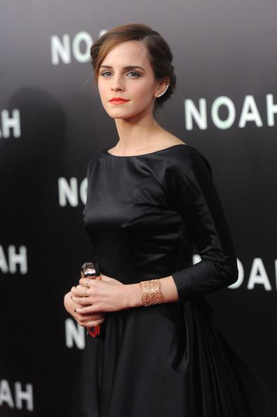 Emma+Watson+Noah+Premieres+NYC+Part+3+HYS8pNov2c9l