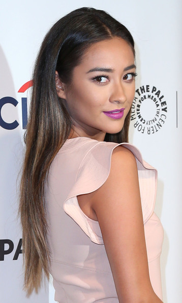 Shay+Mitchell+Paley+Center+Media+PaleyFest+dePvbN_GwPil