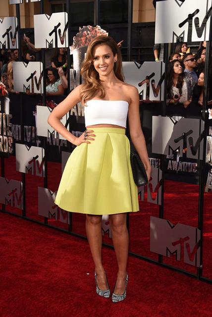 jessica-alba-mtv-movie-awards-2014-ftr