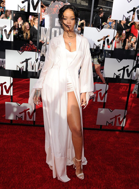 rihanna-mtv-movie-awards-ftr