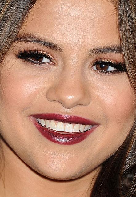 Selena Gomez whatsinfashioncwb