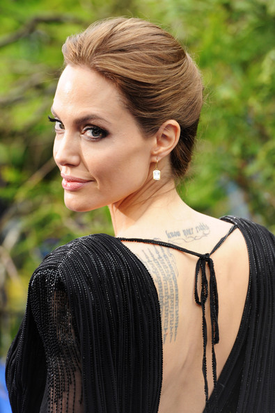 Angelina+Jolie+Maleficent+Costume+Props+Reception+Dxgry-8Qc3bl