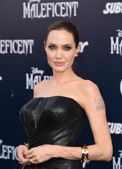 Angelina+Jolie+World+Premiere+Disney+Maleficent+0cu-5Qbf0gzl