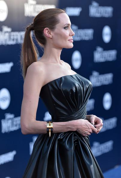 Angelina+Jolie+World+Premiere+Disney+Maleficent+0i2O15vR4s7l