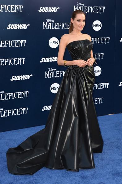 Angelina+Jolie+World+Premiere+Disney+Maleficent+ZT7sAt3K6Zkl