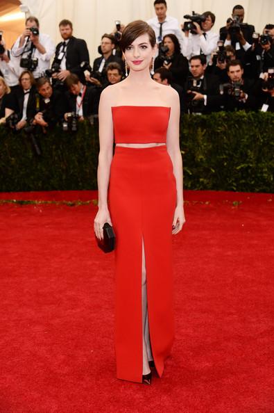 Anne+Hathaway+Red+Carpet+Arrivals+Met+Gala+H333b49wktYl