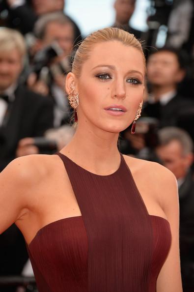 Blake+Lively+Grace+Monaco+Premieres+Cannes+_jx-hAO6x8gl