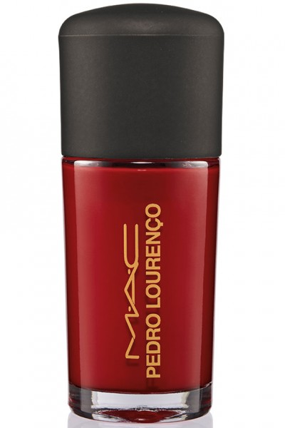 Esmalte Flaming Rose (R$ 66)