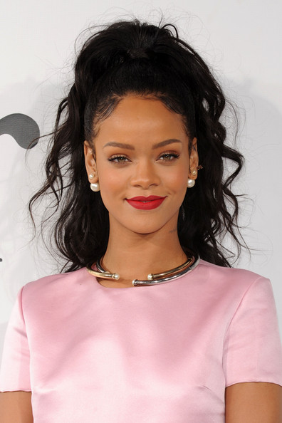 Rihanna+Christian+Dior+Cruise+2015+Show+New+gRA0uF9_32cl