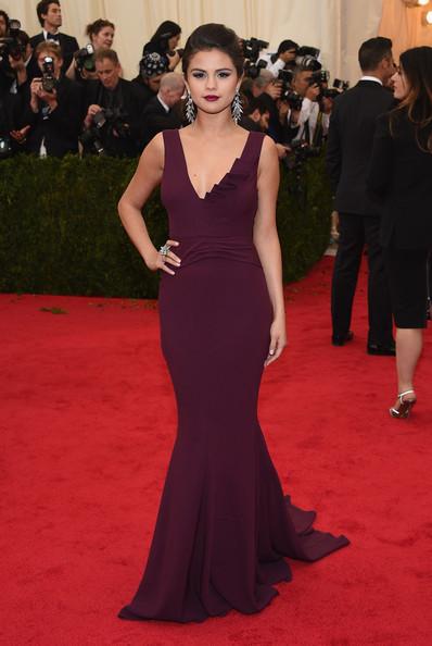 Selena+Gomez+Red+Carpet+Arrivals+Met+Gala+qNS2sjzU8l2l