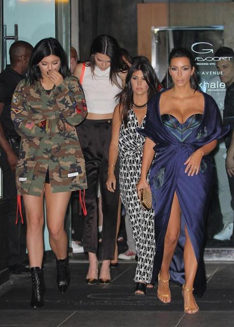 kardashian29f-3-web