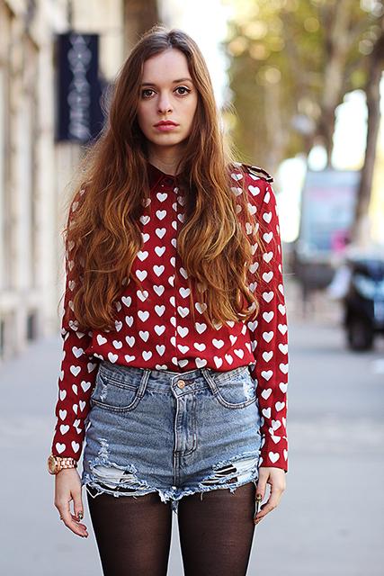 sabfashionlab-fashion-blog-mode-wine-red-heart-shirt-burberry-ispired-3