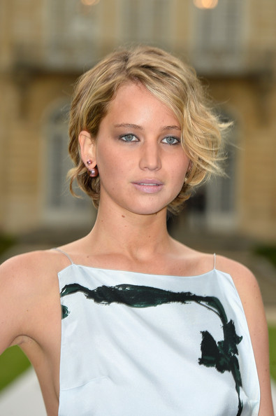 Jennifer+Lawrence+Front+Row+Christian+Dior+pcbF_-ESjYQl