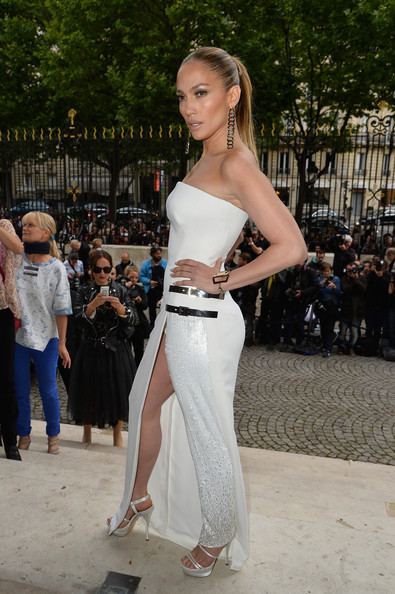 Jennifer+Lopez+Versace+Front+Row+Paris+Fashion+ZoOr6wreiWHl