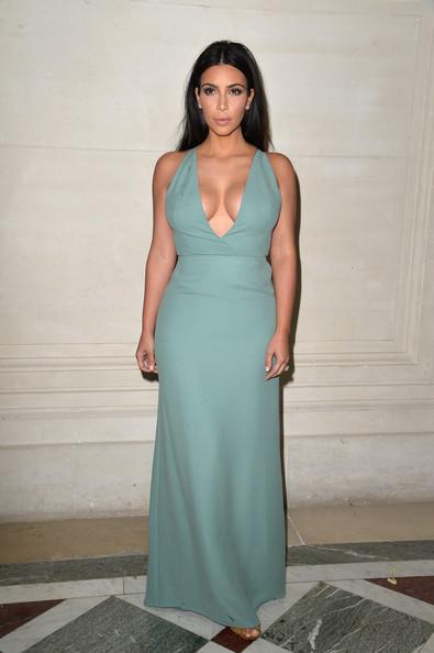 Kim+Kardashian+Front+Row+Valentino+3njhlltazHNl