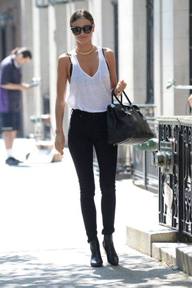 Miranda-Kerr-out-and-about-in-New-York-03-720x1080