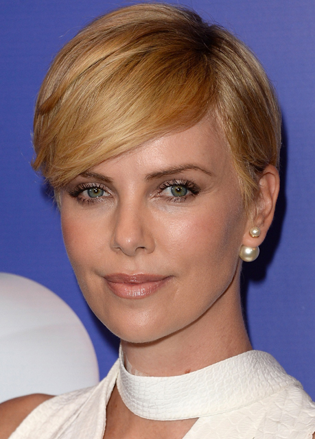 Charlize-Theron-9