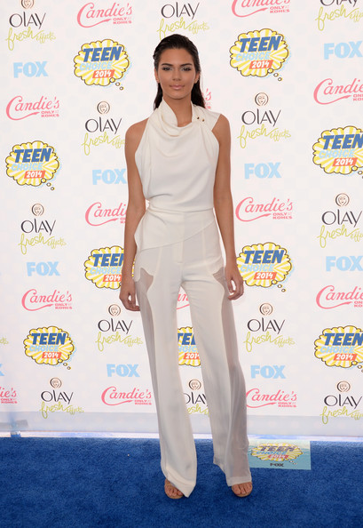 Kendall+Jenner+Arrivals+Teen+Choice+Awards+qyUa_DEyhtEl