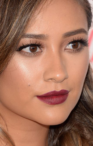 Shay Mitchell Makeup