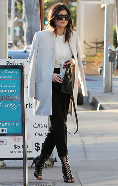 kylie-jenner-leaves-urth-cafe-in-west-hollywood_3