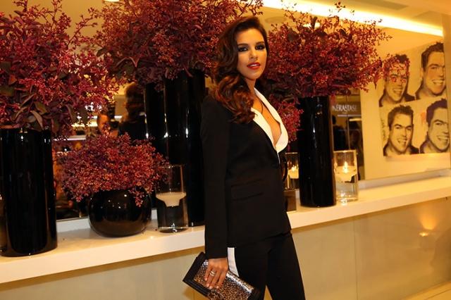 Mariana Rios1