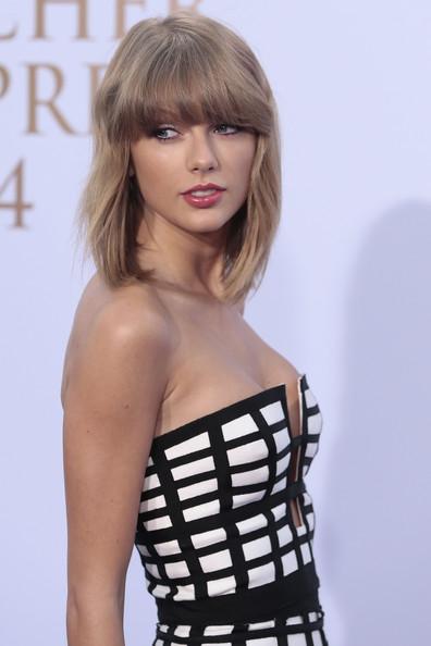 Taylor+Swift+Deutscher+Radiopreis+2014+WvK0gQyOxQ-l