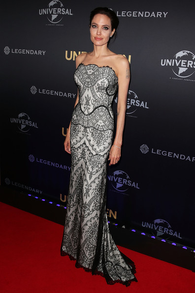 Angelina+Jolie+Unbroken+Premieres+Sydney+AVUyQi2zvi0l