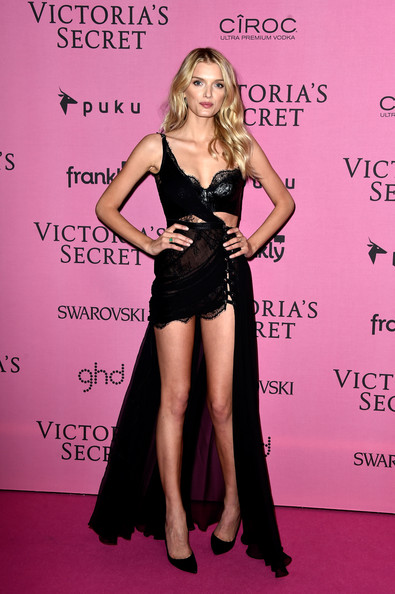 Lily+Donaldson+Arrivals+Victoria+Secret+Fashion+G-mOPeRk8-Hl