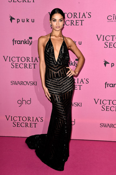 Shanina+Shaik+Arrivals+Victoria+Secret+Fashion+vUp7D7iAByJl