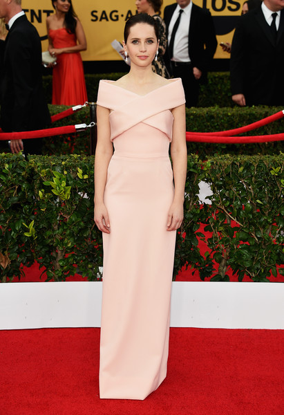 Felicity+Jones+ Balenciaga