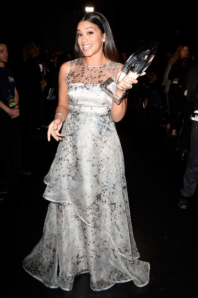 Gina+Rodriguez+41st+Annual+People+Choice+Awards+ctBPcB6oVm4l