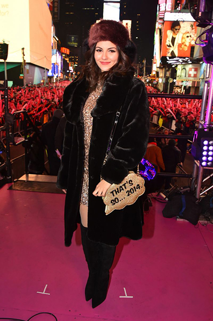 victoria-justice-new-year-s-eve-2015-in-new-york-city_3
