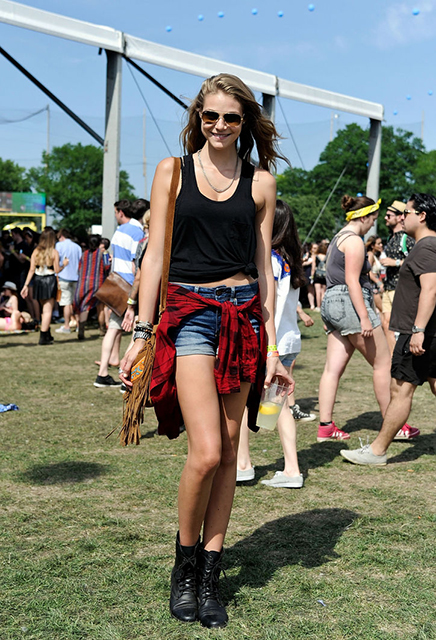 caroline-west-street-style-governors-ball-cut-offs-w724