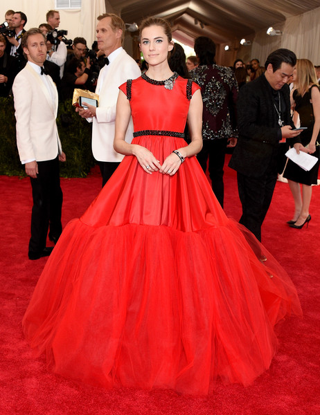 Allison+Williams+ Giambattista Valli Haute Couture