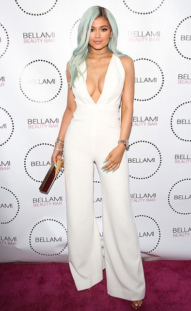 Kylie-Jenner-arrives-at-Bellami-Beauty-Bar-in-West-Hollywood-for-an-event2