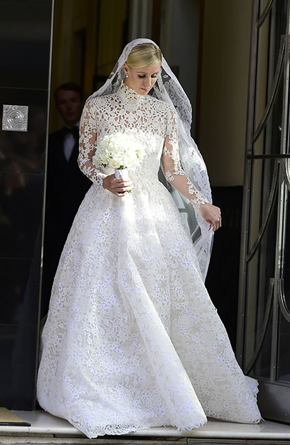 nicky-hilton-and-james-rothschild-s-wedding-day-in-london-07-10-2015_1