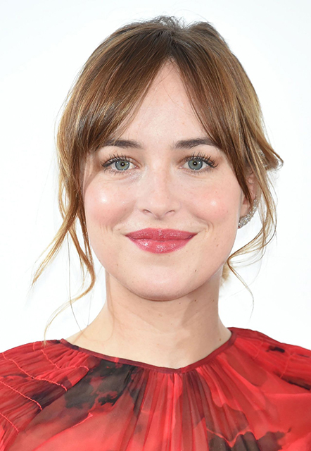 dakota-johnson- peq