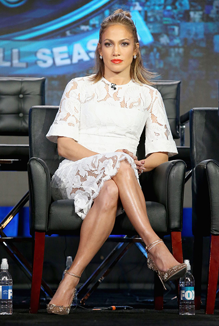 jennifer-lopez-american-idol-panel-2016-winter-tca-tour-in-pasadena-1-15-2016-1